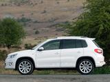 Images of Volkswagen Tiguan R-Line UK-spec 2010–11