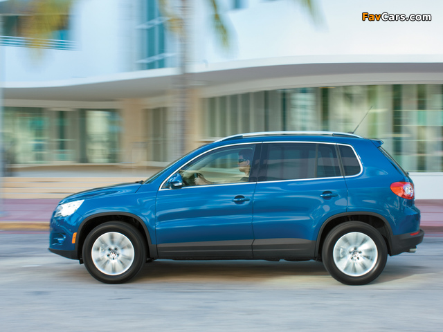 Volkswagen Tiguan US-spec 2008–11 images (640 x 480)