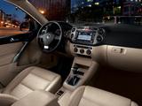 Volkswagen Tiguan US-spec 2008–11 photos
