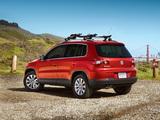Volkswagen Tiguan US-spec 2008–11 pictures