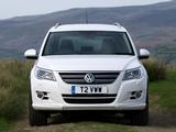 Volkswagen Tiguan R-Line UK-spec 2010–11 photos