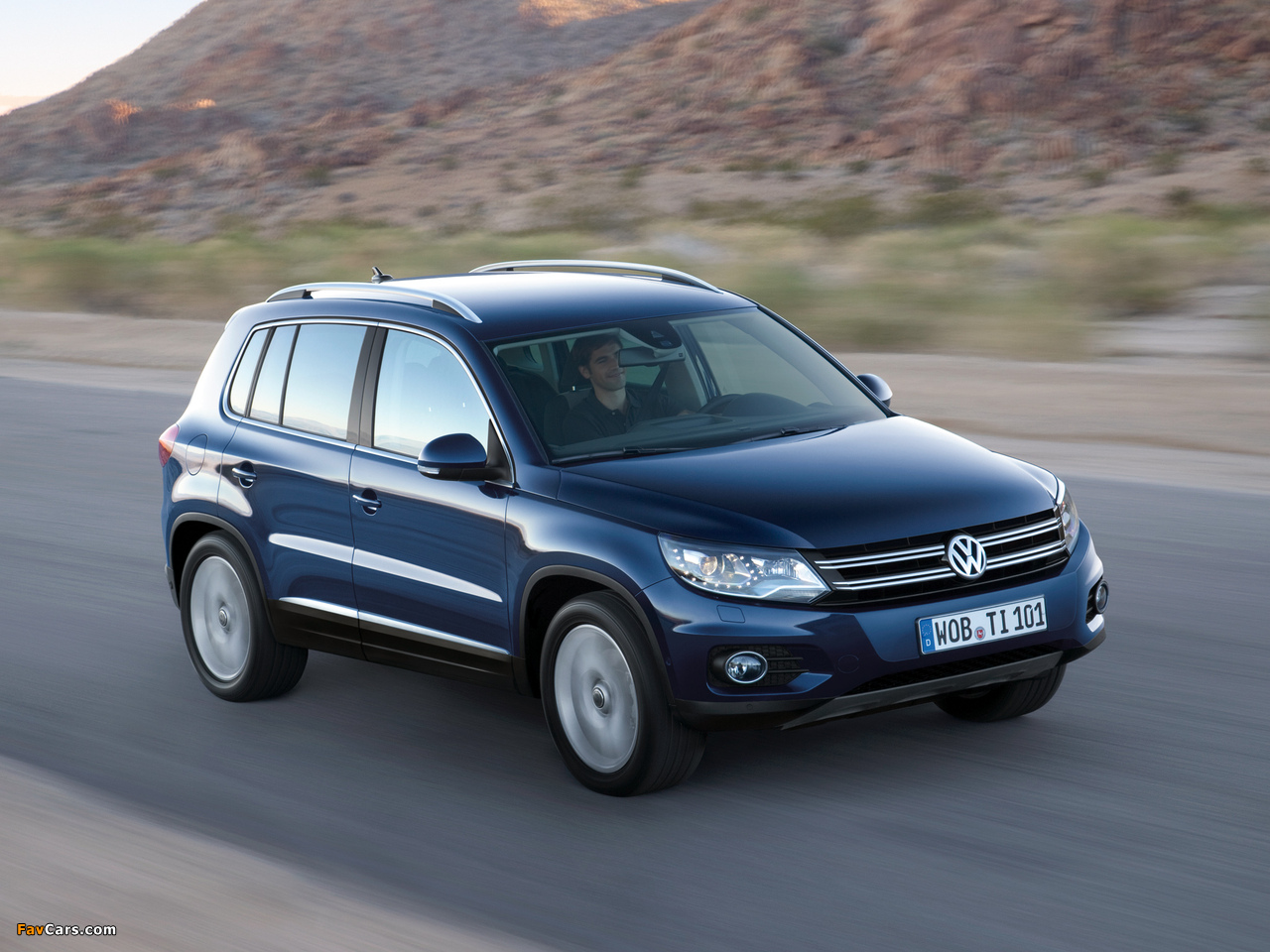 Volkswagen Tiguan Track & Style 2011 images (1280 x 960)