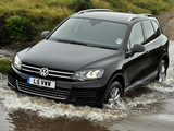 Photos of Volkswagen Touareg V6 TDI UK-spec 2010