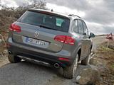 Photos of Volkswagen Touareg V6 TDI Terrain Tech Paket 2010