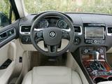 Photos of Volkswagen Touareg V6 TDI 2010