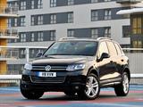 Photos of Volkswagen Touareg V8 TDI UK-spec 2010