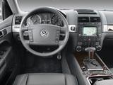 Volkswagen Touareg V10 TDI US-spec 2002–07 pictures