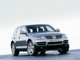 Volkswagen Touareg V10 TDI 2002–07 wallpapers