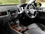 Volkswagen Touareg V6 TDI UK-spec 2010 pictures