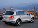 Volkswagen Touareg V6 FSI 2010 wallpapers