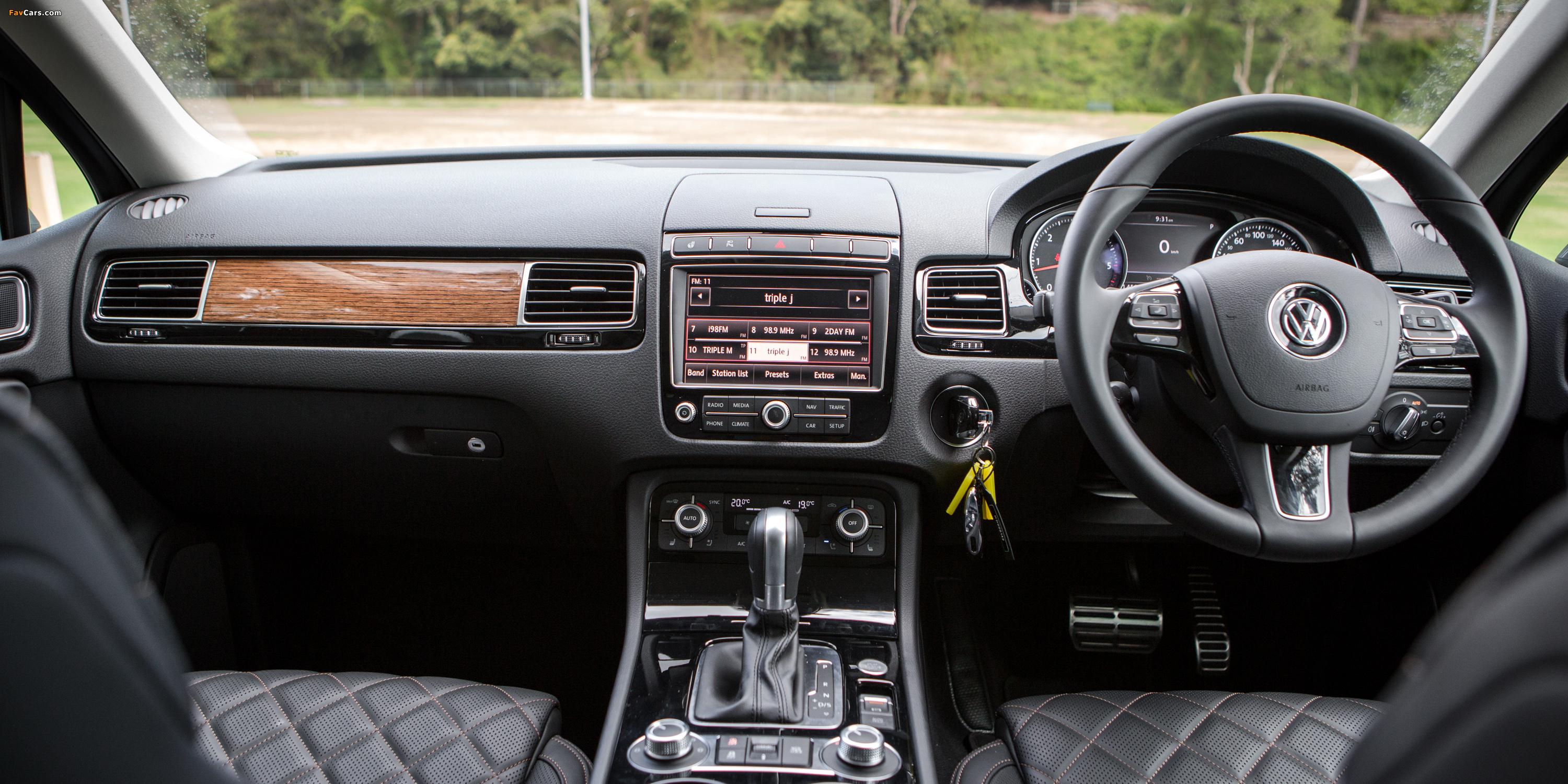 impressive awd speed grip transmission touareg and feature vwtouperformance wheel models article mountain automatic drive delivers in eight review standard stone volkswagen an all