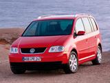 Photos of Volkswagen Touran 2003–06