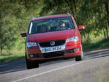 Photos of Volkswagen Touran 2006–10