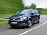 Photos of Volkswagen Touran EcoFuel 2010
