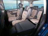 Pictures of Volkswagen Touran 2006–10