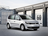 Pictures of Volkswagen Touran Van 2011