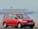 Volkswagen Touran UK-spec 2003–06 photos