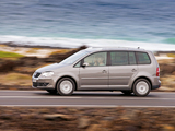 Volkswagen Touran 2006–10 images
