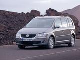 Volkswagen Touran 2006–10 pictures