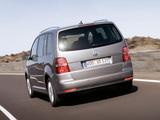Volkswagen Touran 2006–10 wallpapers