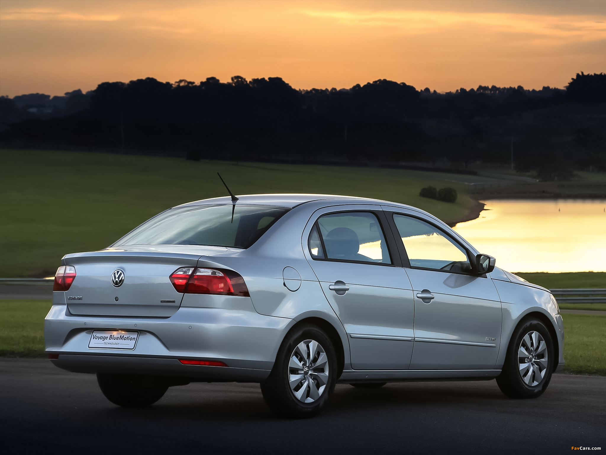 Images of Volkswagen Voyage Bluemotion 2012 (2048 x 1536)