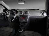 Volkswagen Voyage 2012 pictures