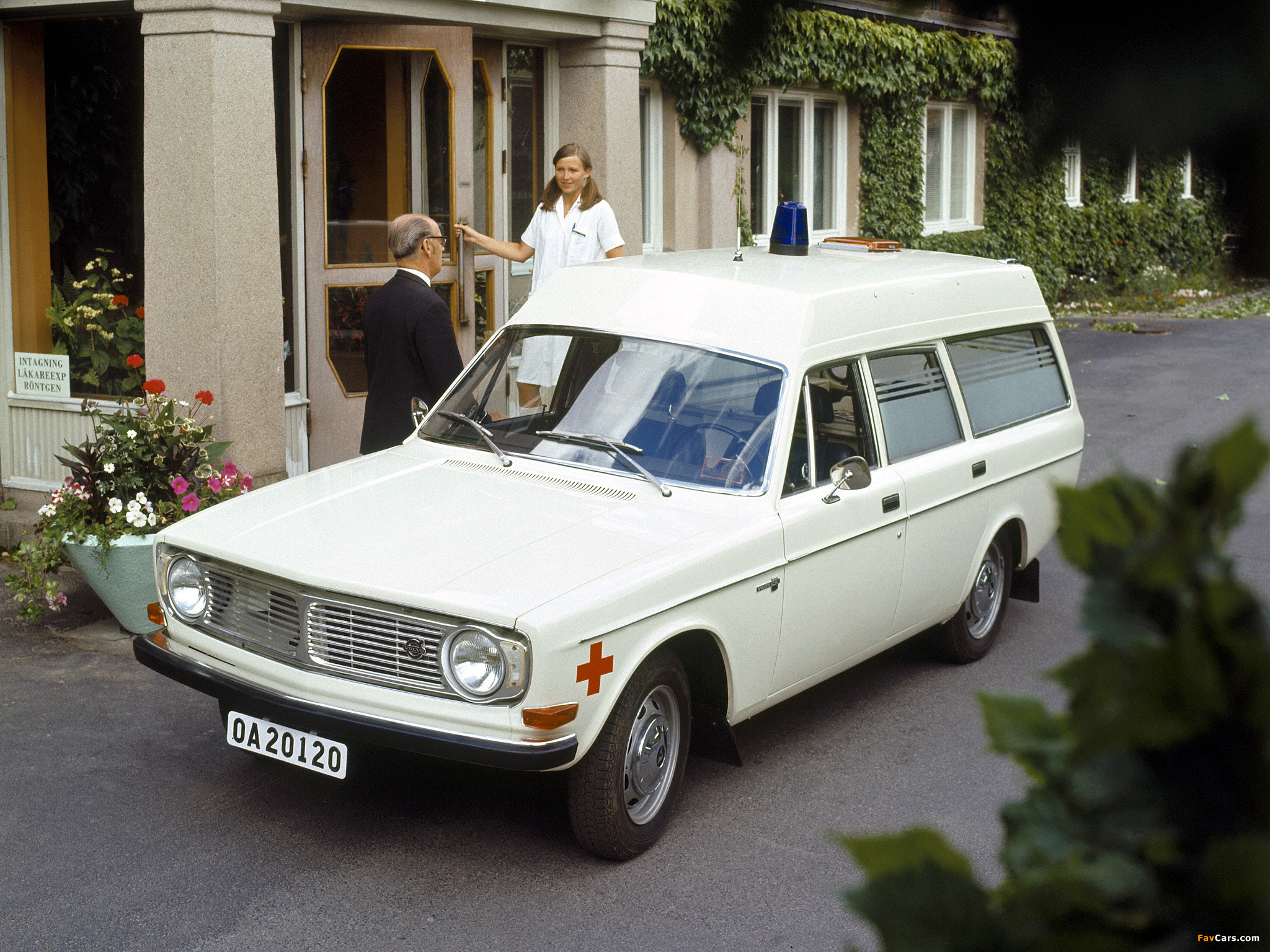Images Of Volvo 145 Express Ambulance 1972 2048x1536