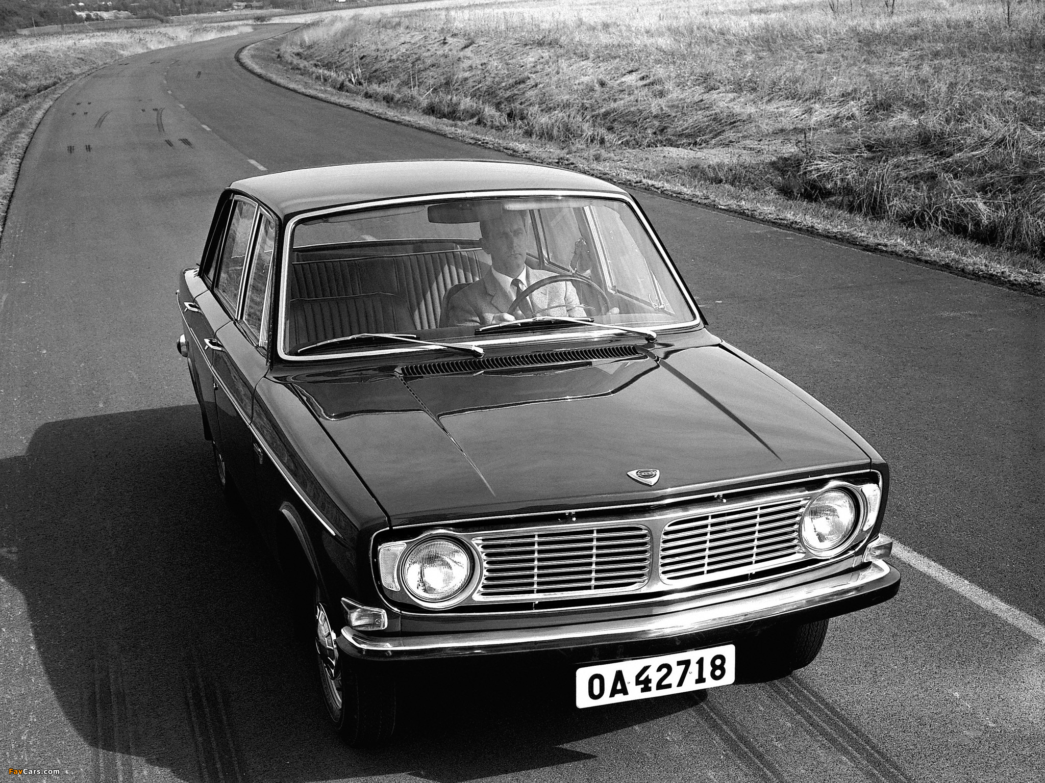 Pictures Of Volvo 144 1967 71 2048x1536
