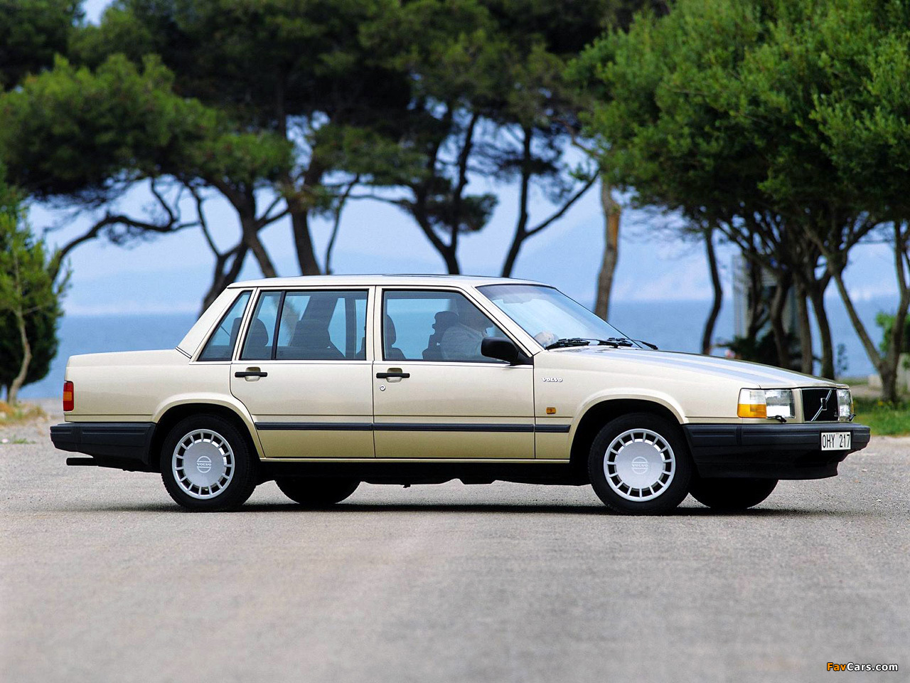 Volvo 740 1990–92 wallpapers