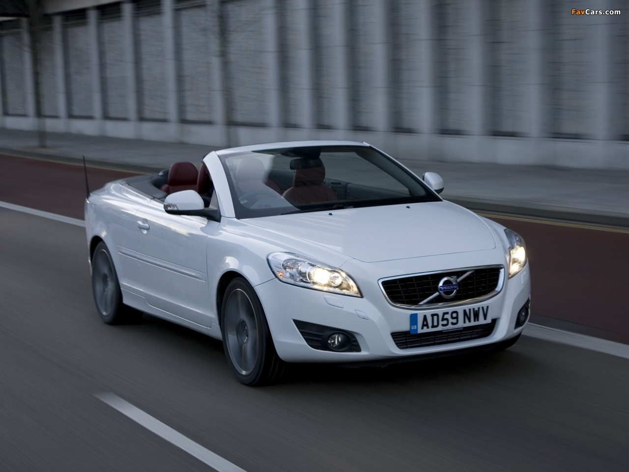 volvo c70 d5 uk spec 2010 pictures 1280x960. Black Bedroom Furniture Sets. Home Design Ideas