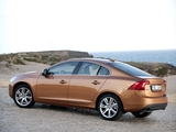 Volvo S60 T6 2010–13 images