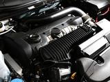 Photos of Volvo V40 R-Design JP-spec 2013