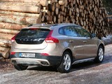 Pictures of Volvo V40 Cross Country T5 2012