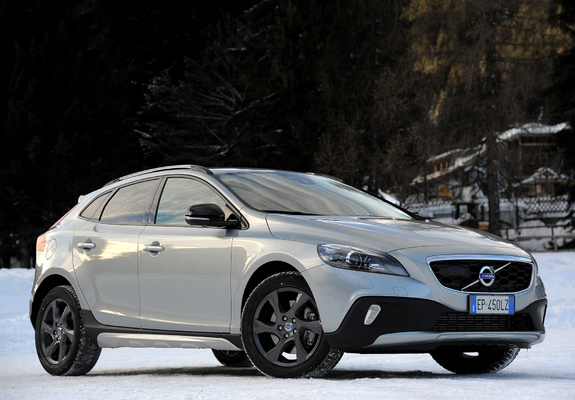 volvo v40 cross country d4 2012 pictures. Black Bedroom Furniture Sets. Home Design Ideas