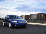 Photos of Volvo V50 D5 2004–07