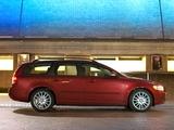 Volvo V50 D2 UK-spec 2010–12 images