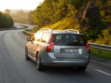 Volvo V50 Classic 2011–12 pictures