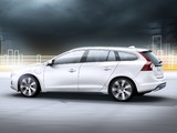 Pictures of Volvo V60 Plug-in Hybrid Prototype 2011