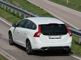Volvo V60 R-Design 2010–13 photos