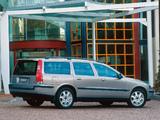 Photos of Volvo V70 T5 AU-spec 2000–05