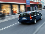Photos of Volvo V70 T5 2005–07