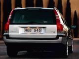 Volvo V70 2000–05 images