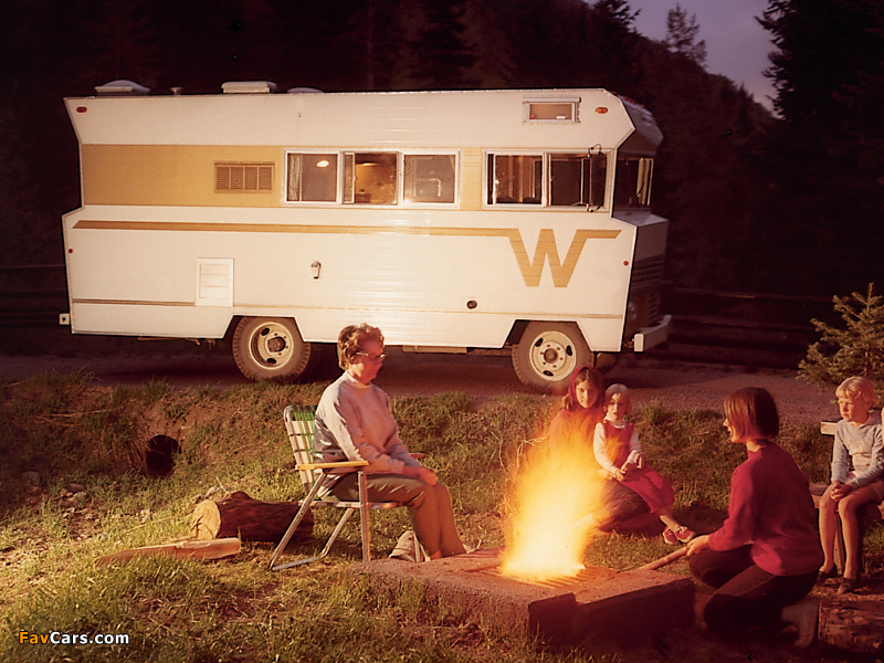 Winnebago Brave 1975 images (800 x 600)