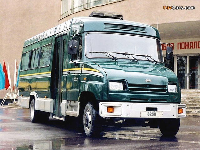 Pictures of ZiL 325000 1998 (640 x 480)