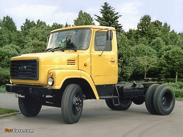 Pictures of ZiL 169 1977 (640 x 480)